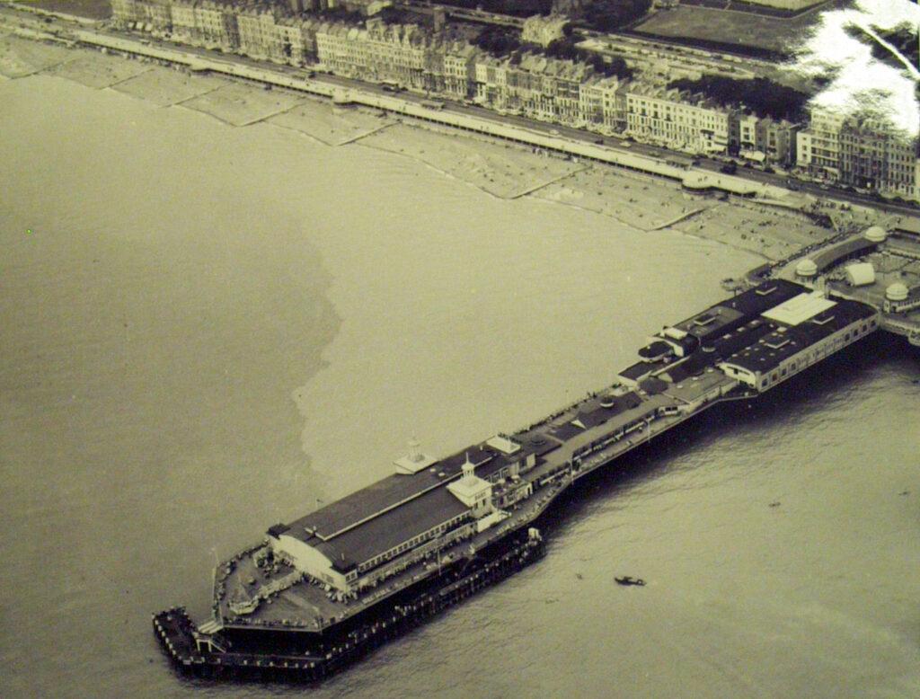 1961-1966 Hastings pier aerial view, Aerofilms & Aero Pictorial Ltd